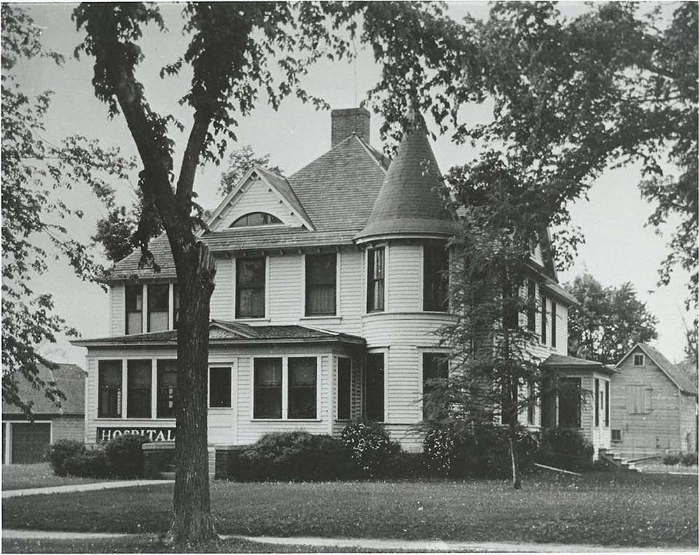 1918 Madelia Community Hospital